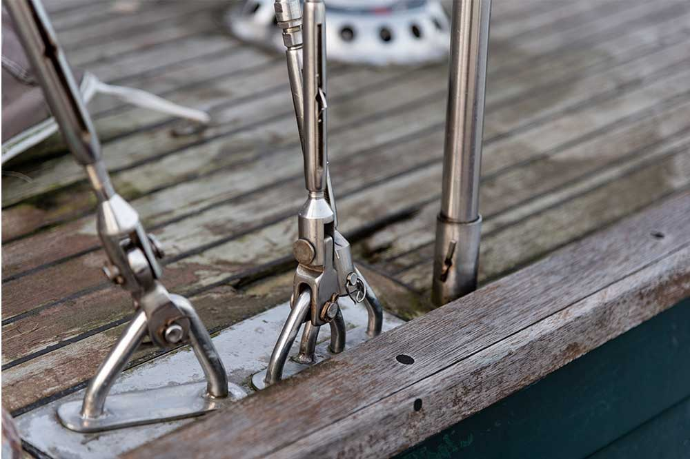 Repairing a leaking hull-to-deck joint