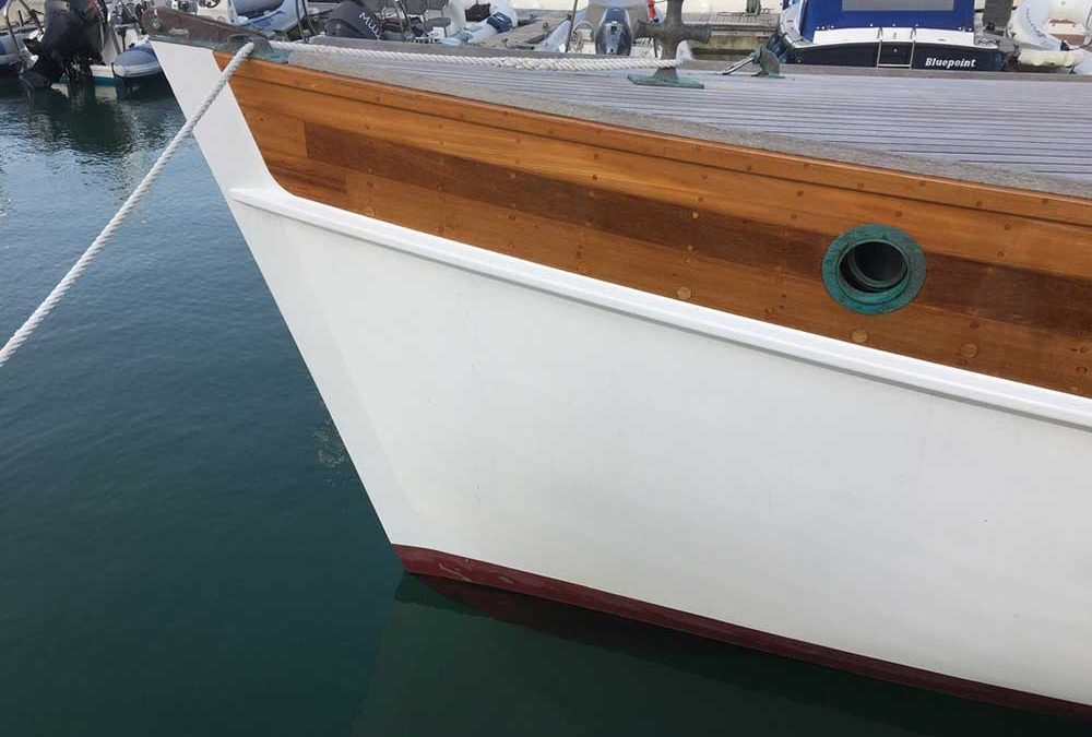 Cleaning & polishing painted topsides